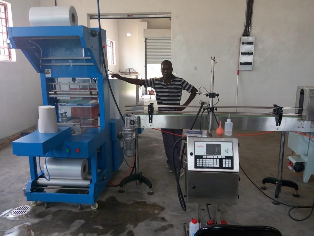 Zimbabwe-Semi-auto Shrink Wrapping Packing Machine